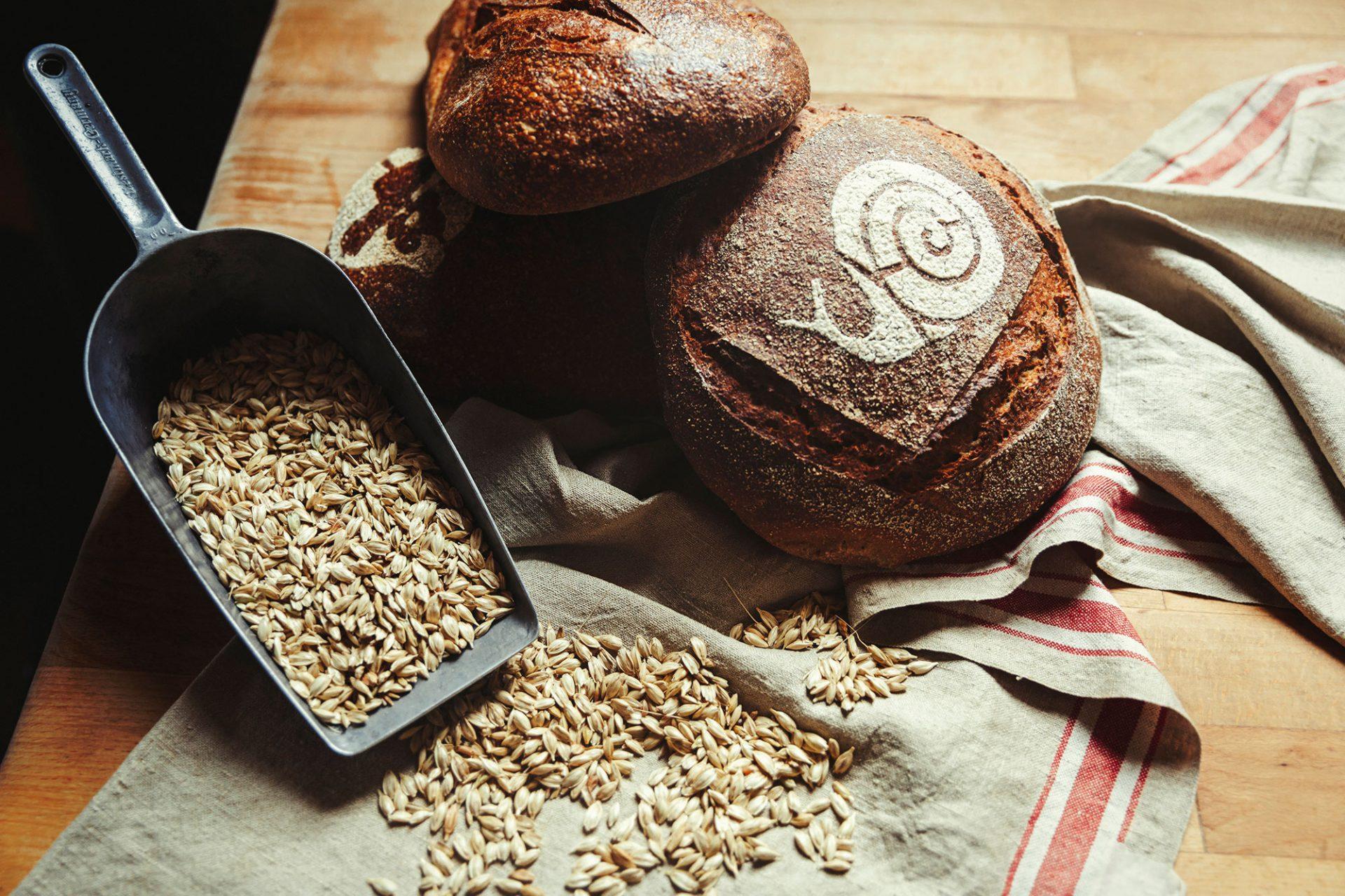 Foto van zuurdesembrood van De Veldkeuken, gemaakt door René van der Veer van de Slow Food Chefs Alliantie - Foto door Bibi Veth