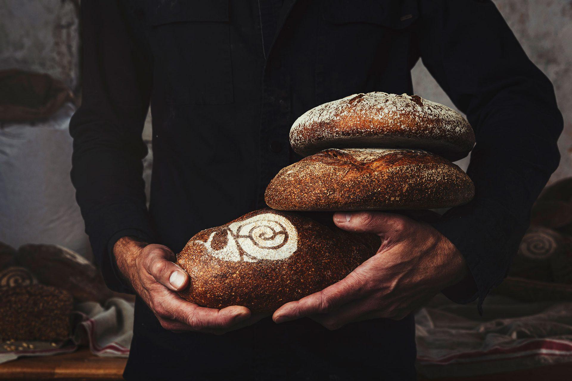 Een echt Slow Food product: brood gemaakt van emmertarwe - Slow Food chef René vertelt - Foto door Bibi Veth