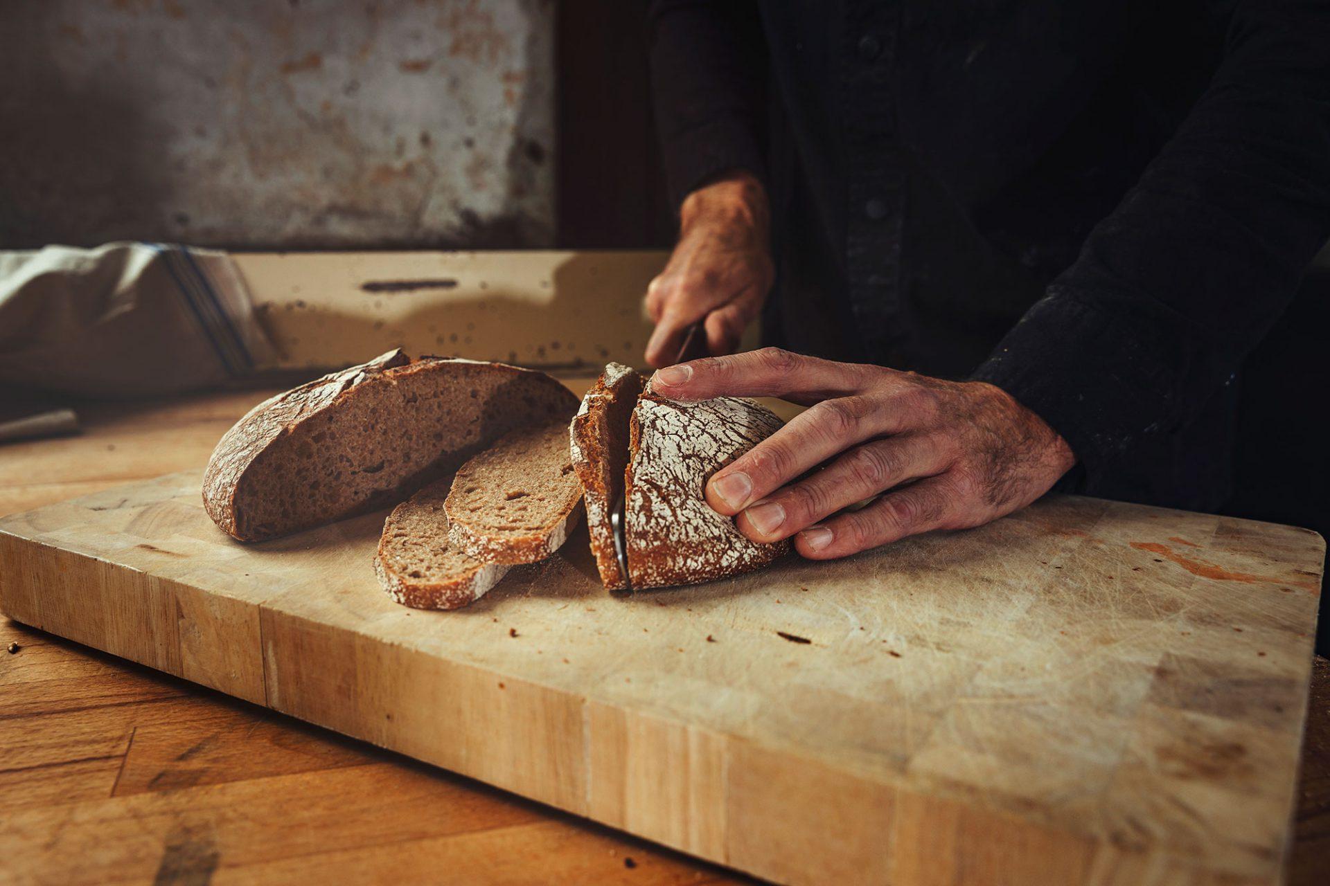 Het brood van de emmertarwe wordt gemaakt met een combinatie van andere granen zodat het een luchtige structuur behoudt - Foto door Bibi Veth